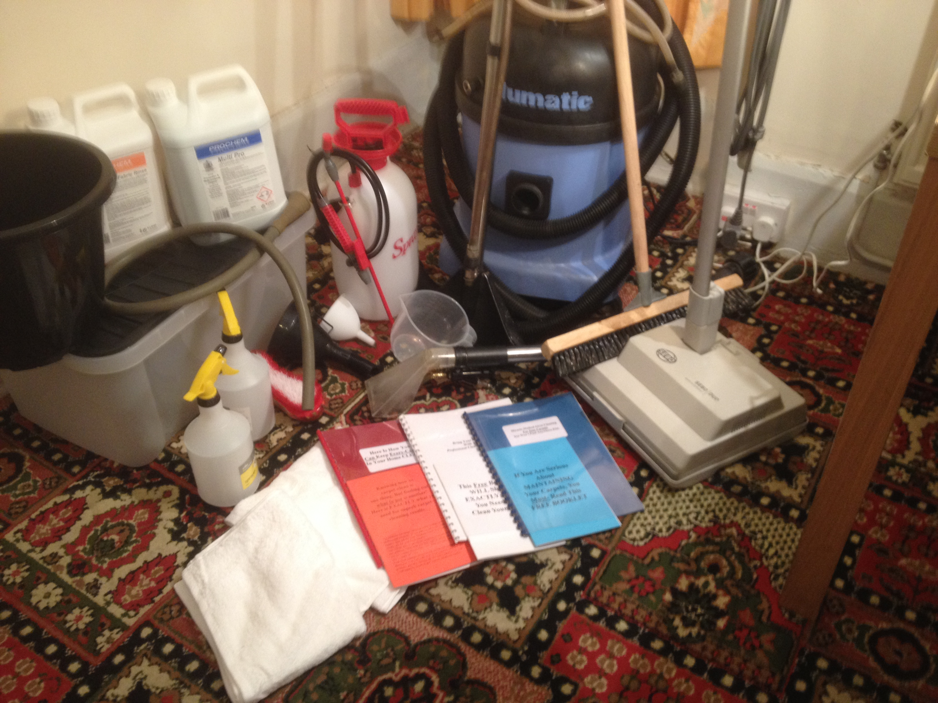 Package for DIY carpet cleaning